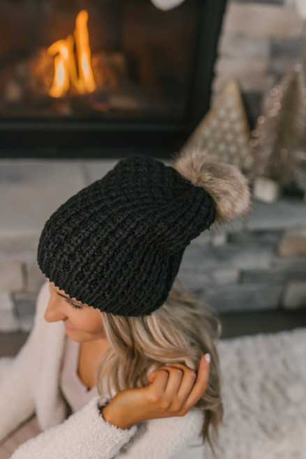 Textured Knit Pom Beanie - Black