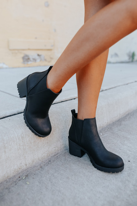 Dirty Laundry Lisbon Sedona Black Booties