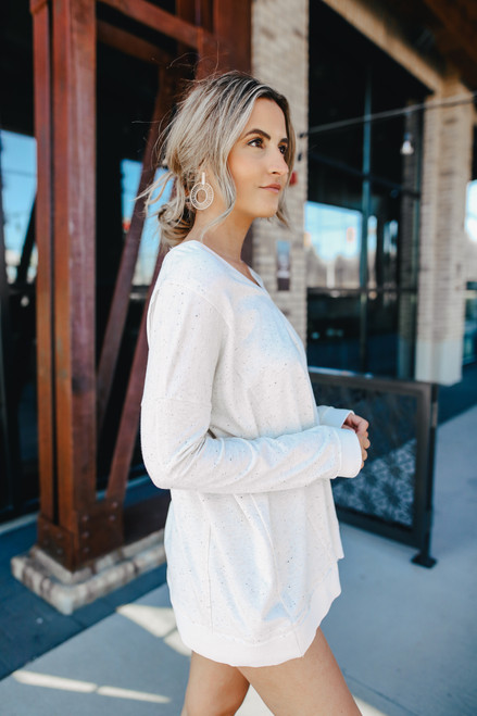 V-Neck Heather Oatmeal Pullover