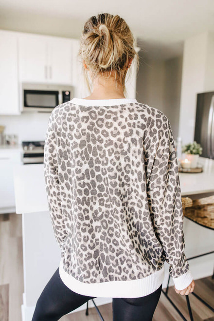 Contrast Leopard Thermal Pullover