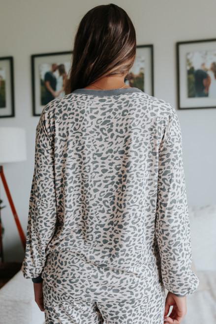 Long Sleeve Contrast Leopard Tee