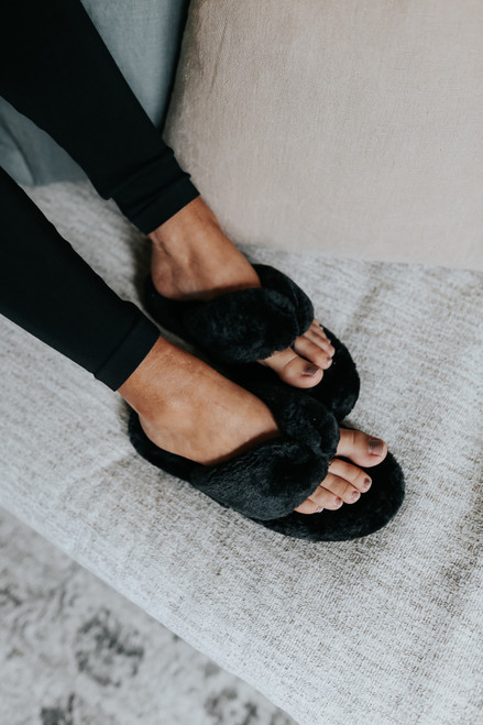 Sleepover Faux Fur Black Slippers
