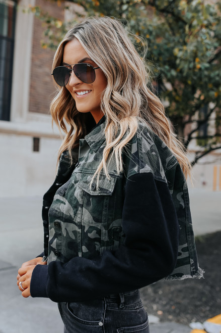 Contrast Camo Sweatshirt Denim Jacket