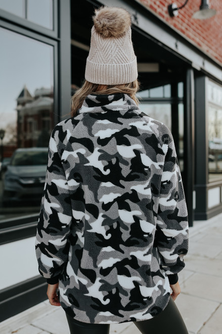 Contrast Quilted Camo Fleece Pullover