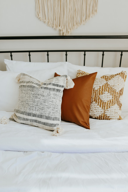 "18""x 18"" Striped Tassel Pillow Cover"