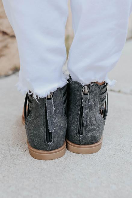 Very G Carly Criss Cross Black Sandals