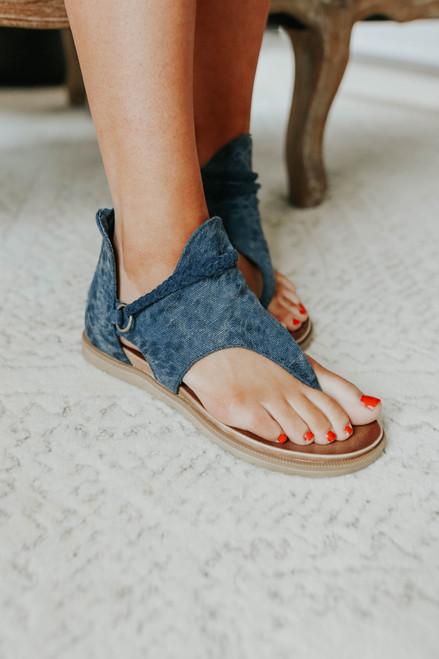 Very G Sariah Canvas Sandals