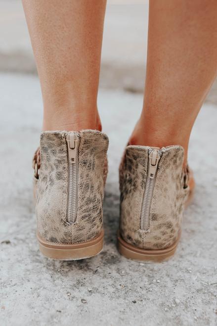 Very G Sariah Leopard Canvas Sandals