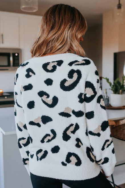 V-Neck Ivory Leopard Cozy Sweater