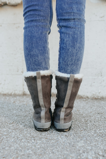 Lace Up Dark Grey Snow Boots