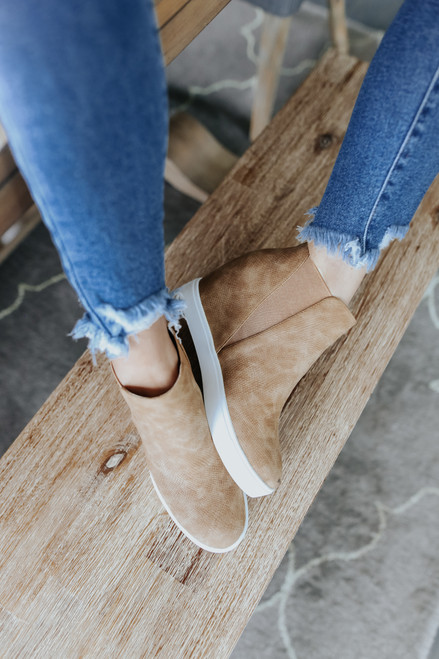 Coconuts by Matisse Lure Fawn Sneakers