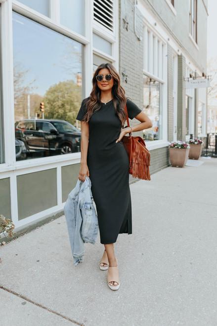 Short Sleeve Ribbed Black Midi Dress