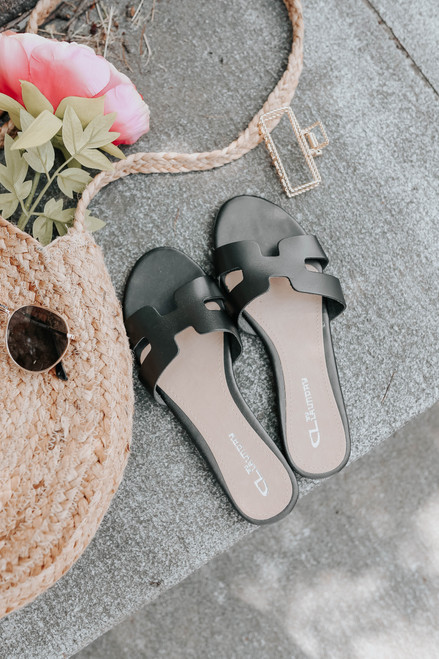 CL By Laundry Artist Black Leather Sandals