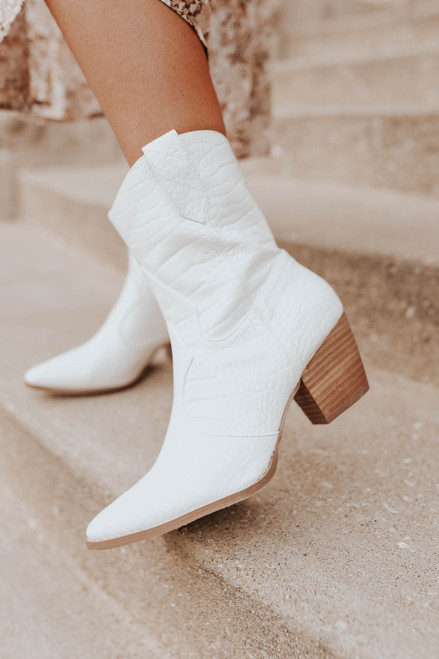 Coconuts by Matisse Bambi White Cowboy Boots