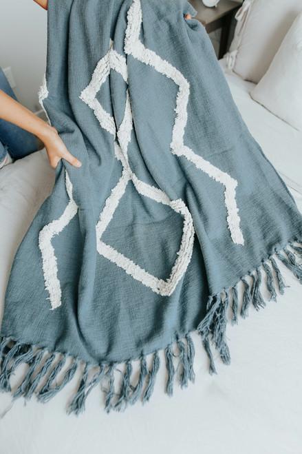 "50"" X 60"" Contrast Tufted Fringe Throw Blanket"