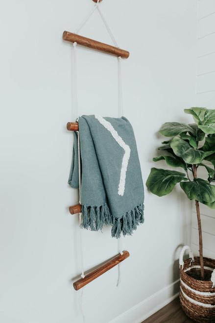 Hanging Rope Blanket Ladder
