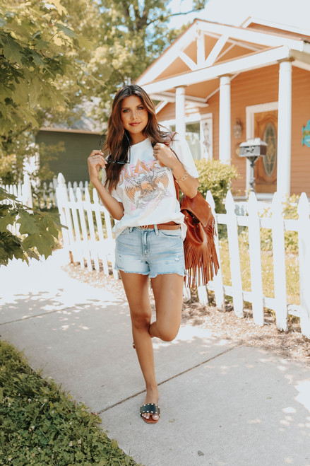 Dreamer Distressed Ivory Graphic Tee