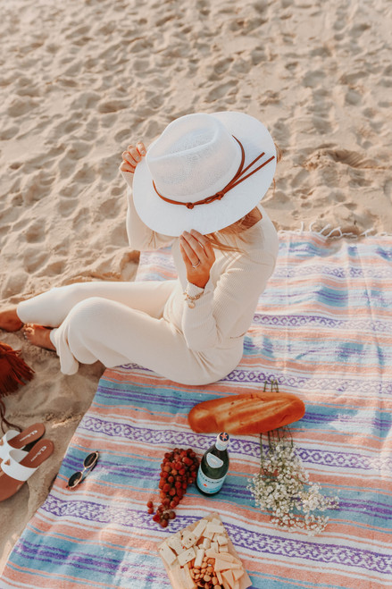Capri Belted Ivory Woven Hat