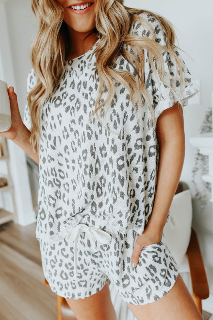 Cuffed Sleeve Leopard Pullover