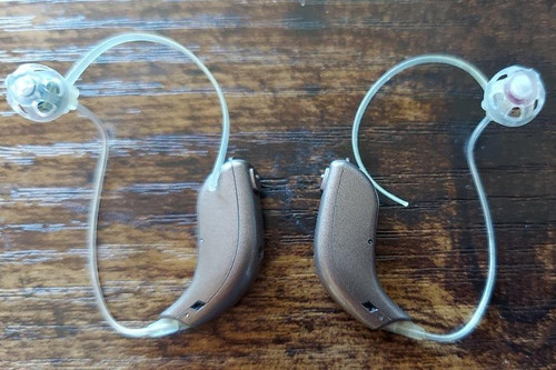 Oticon Nera2 Pro Hearing Aids With Streamer - Gently Used - Free Priority Shipping