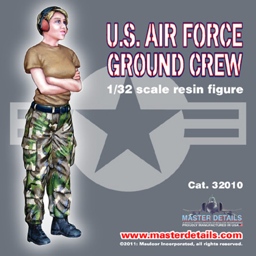 32010 - 1/32 U.S. Air Force Female Ground Crew