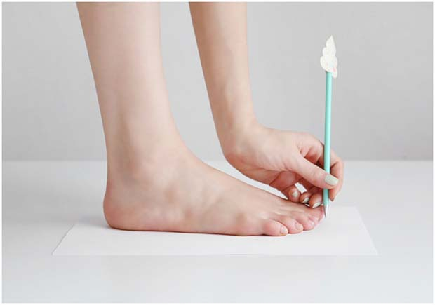 Measure your foot length 02 - shoeever.com