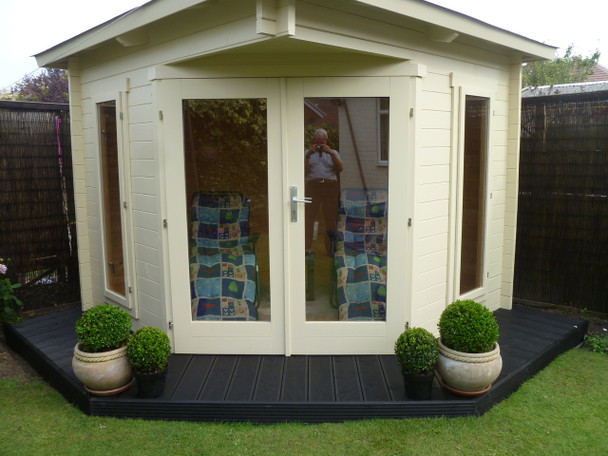 Here is a customer image of the Oban Log Cabin.