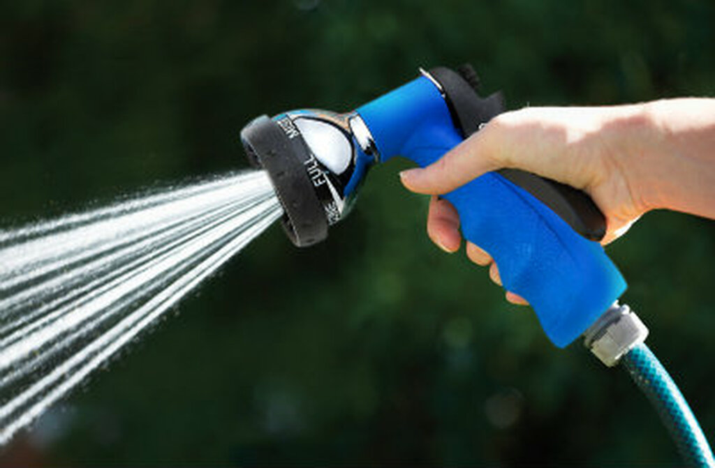 Heavy Duty Water-Saving 7-Spray Garden Hose Nozzle, Blue