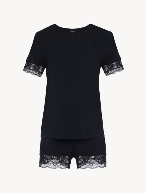 Short pajamas in black rayon with lace