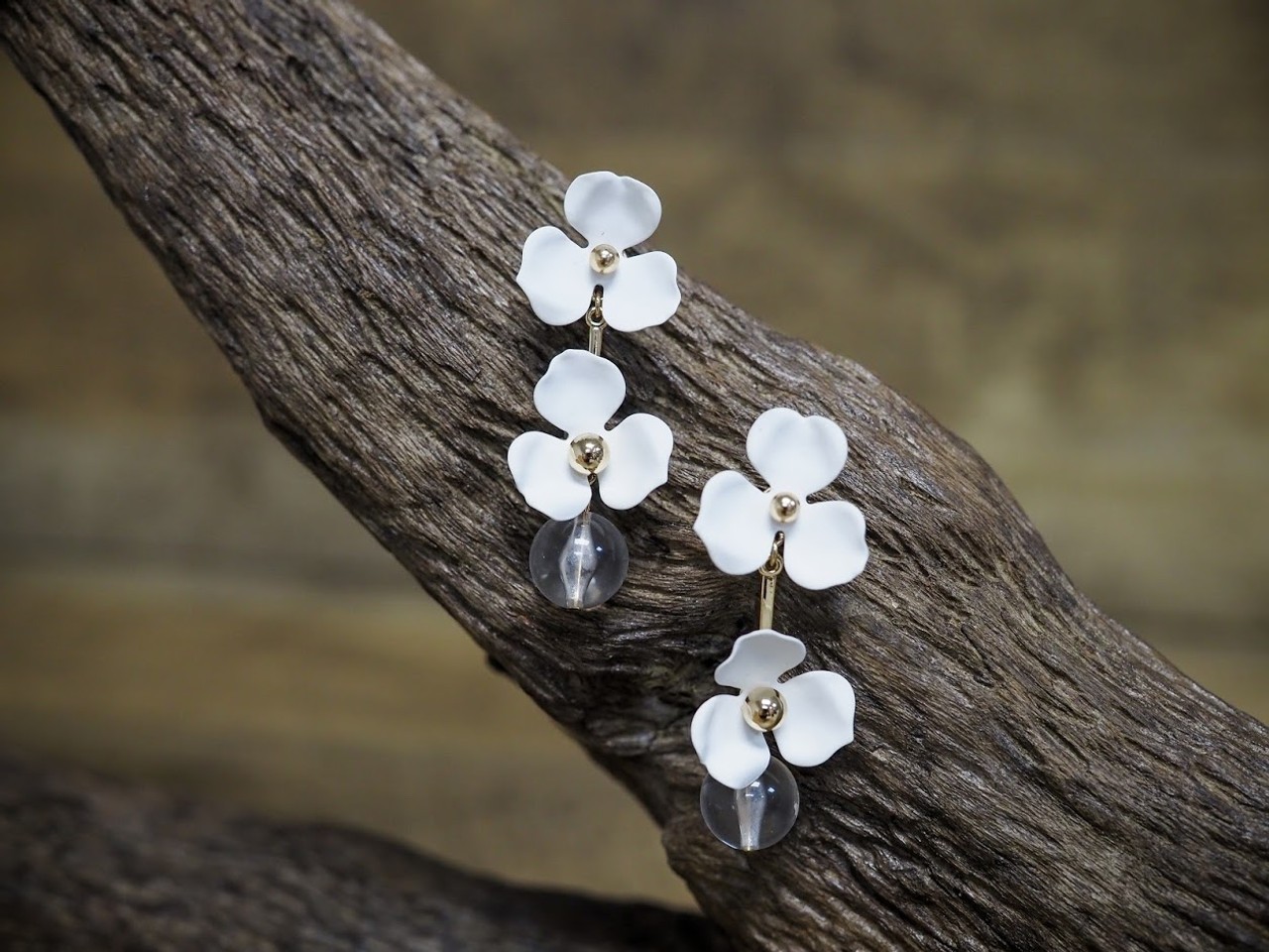 White & Gold Flower Drop Earring