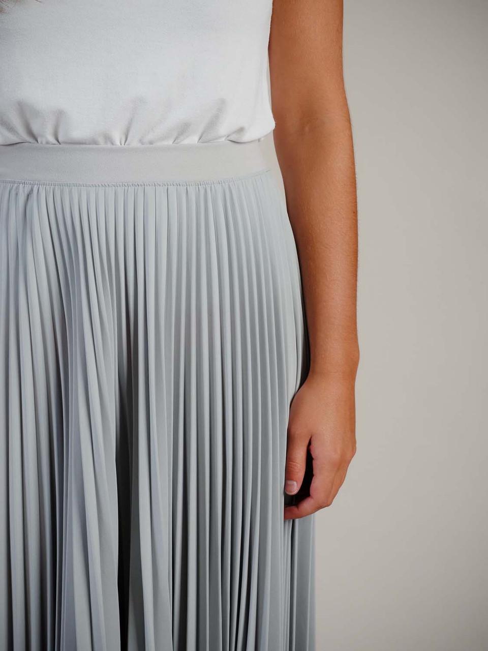 grey pleated skirt elastic waistband