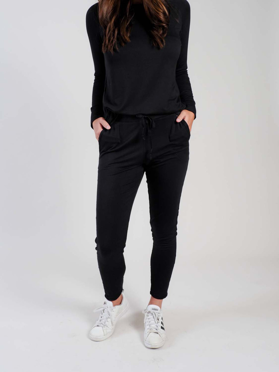 black lounge pant with drawstring waist