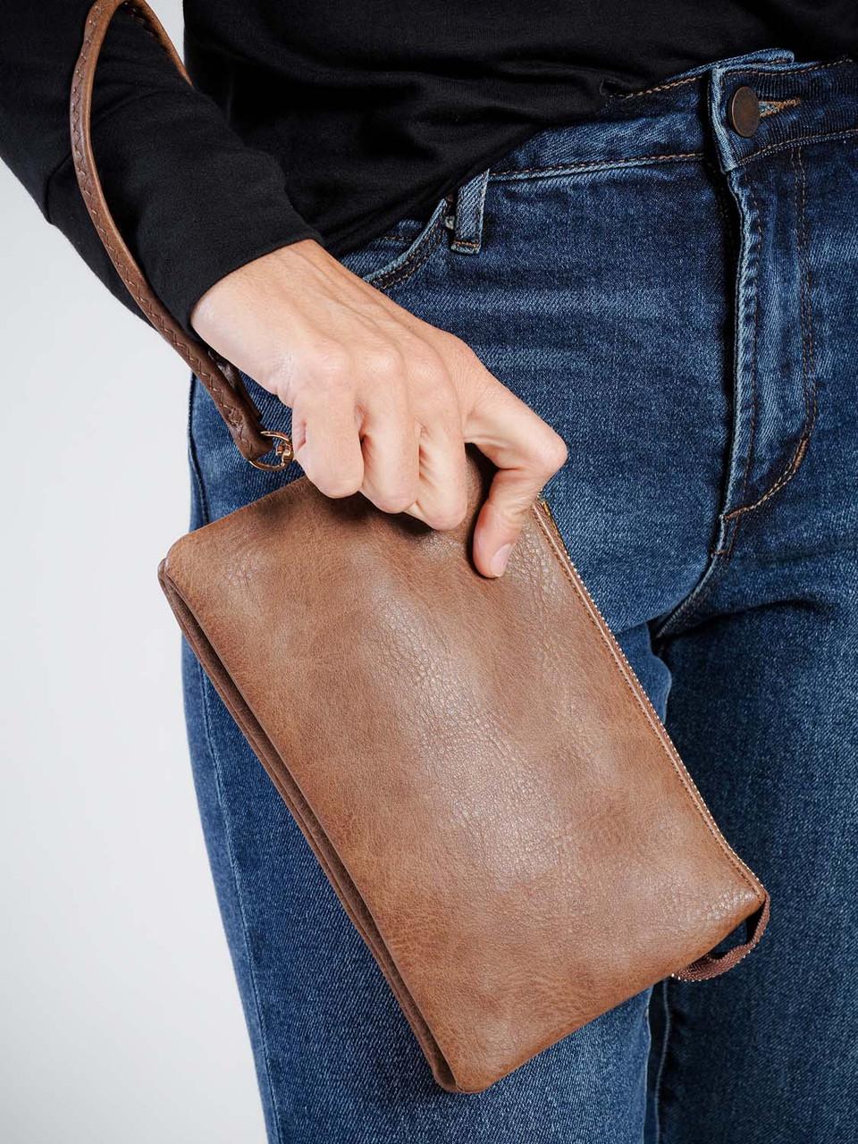 riley crossbody wristlet in chestnut jen and co