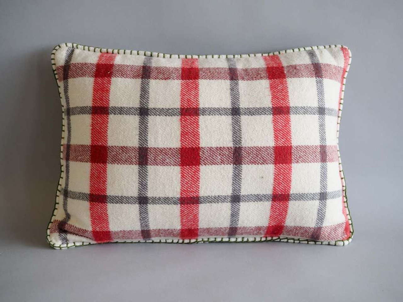 Plaid Pillow with Blanket Stitch