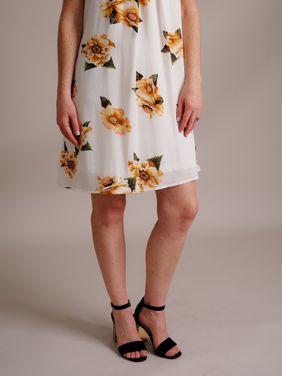 Floral Print Sleeveless Keyhole Dress