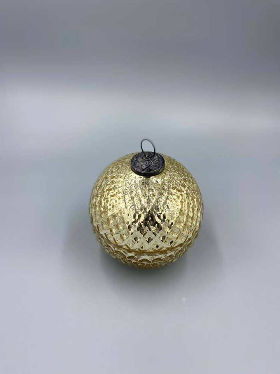 Cranberry Spice Gold 5 Inch Ornament Candle