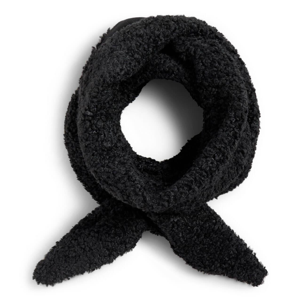 black sherpa scarf has a loophole
