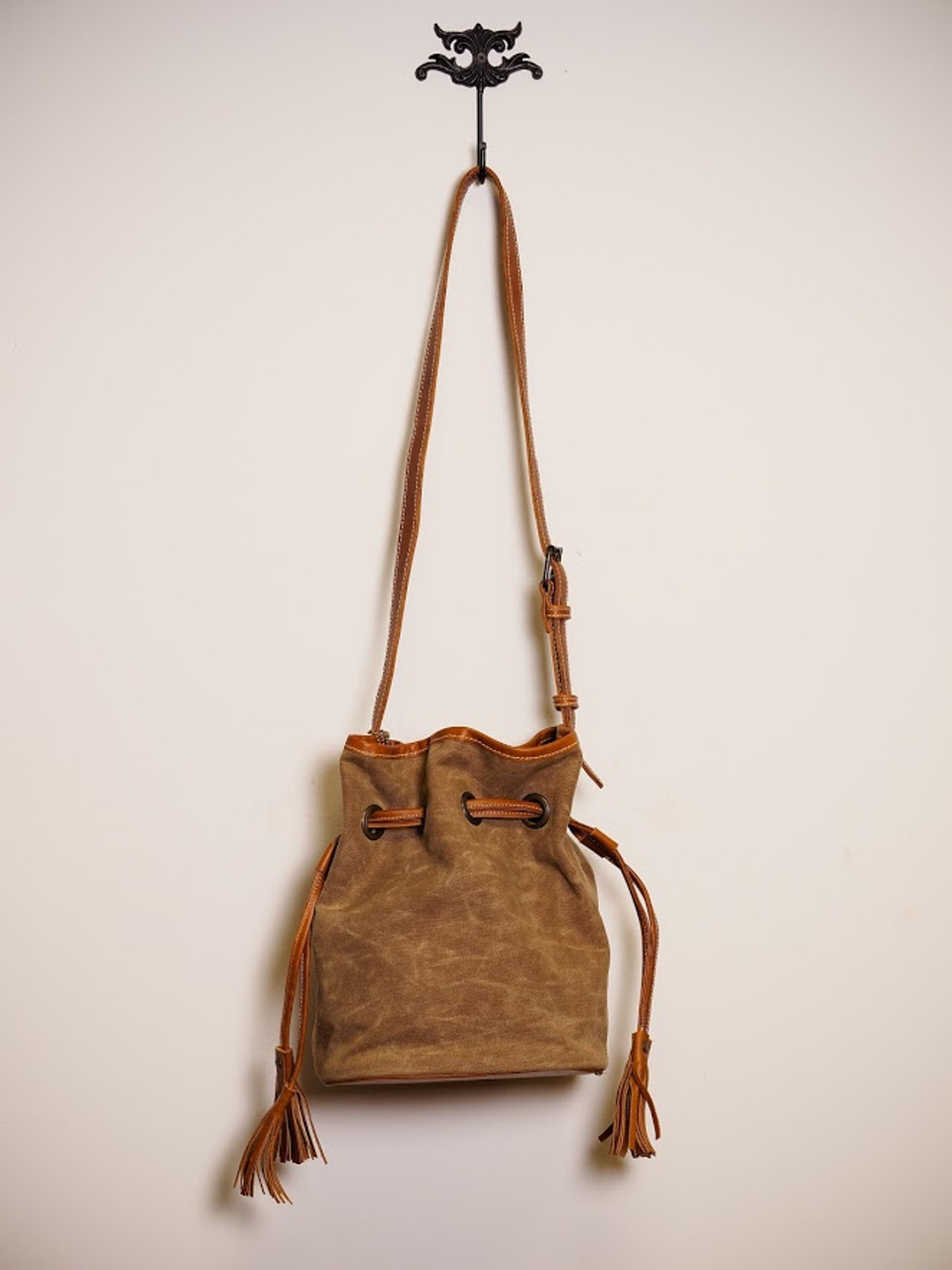 Correa Canvas Bucket Bag in Indio Whiskey & Tan
