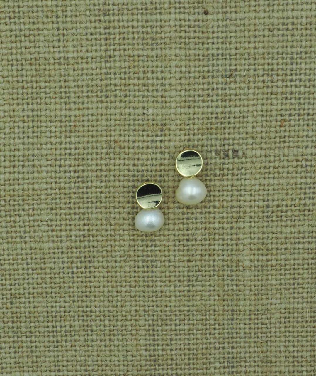 gold post pearl drop
