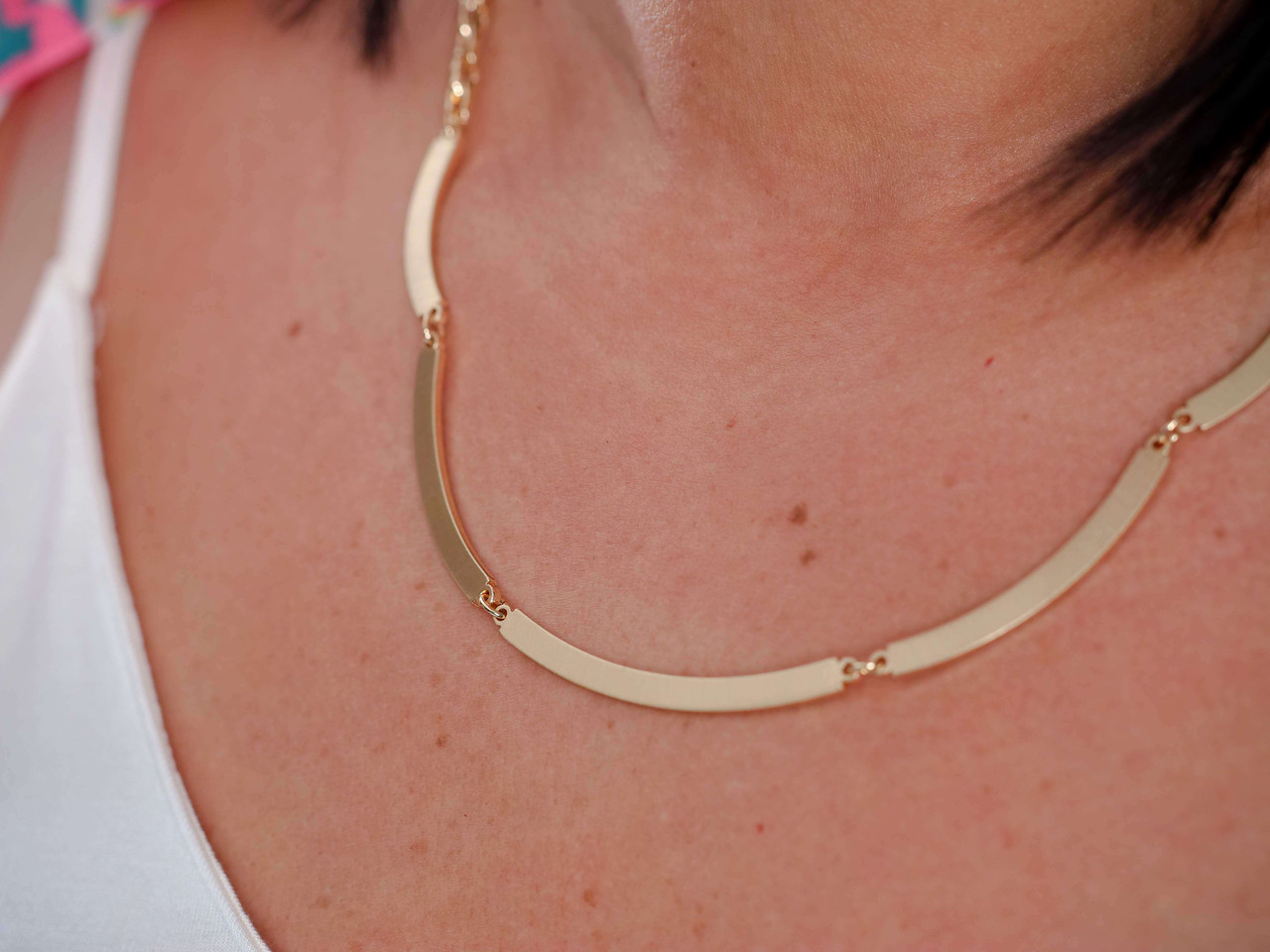 gold link chain curved gold bar necklace