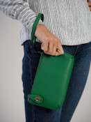 kendall crossbody wristlet in emerald green jen and co