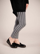 """Houndstooth Comfortable and versitable fleece-lined leggings, breathable fabric, smooth mid-rise fit, seamless, flattering 4"""" waistband, full length cut with banded ankle"""