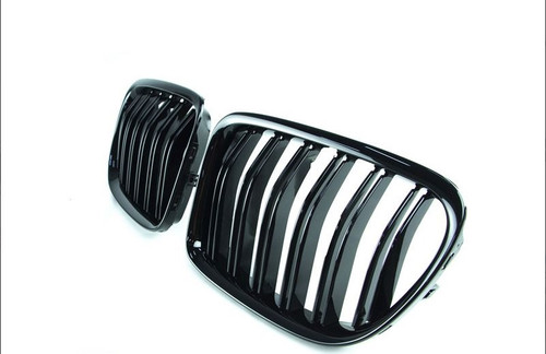 RENNESSIS Gloss Black M Look Kidney Grilles BMW E84 X1