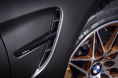 BMW M3 M4 GTS Competition gloss black side vents