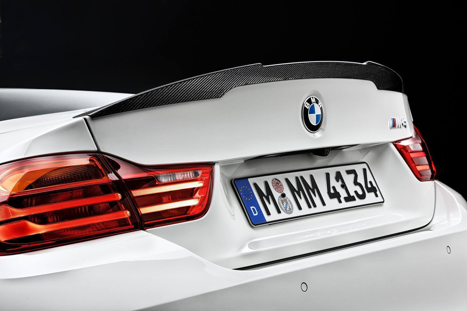 2015-bmw-m4-with-m-performance-accessories-spoiler-2048x.jpg