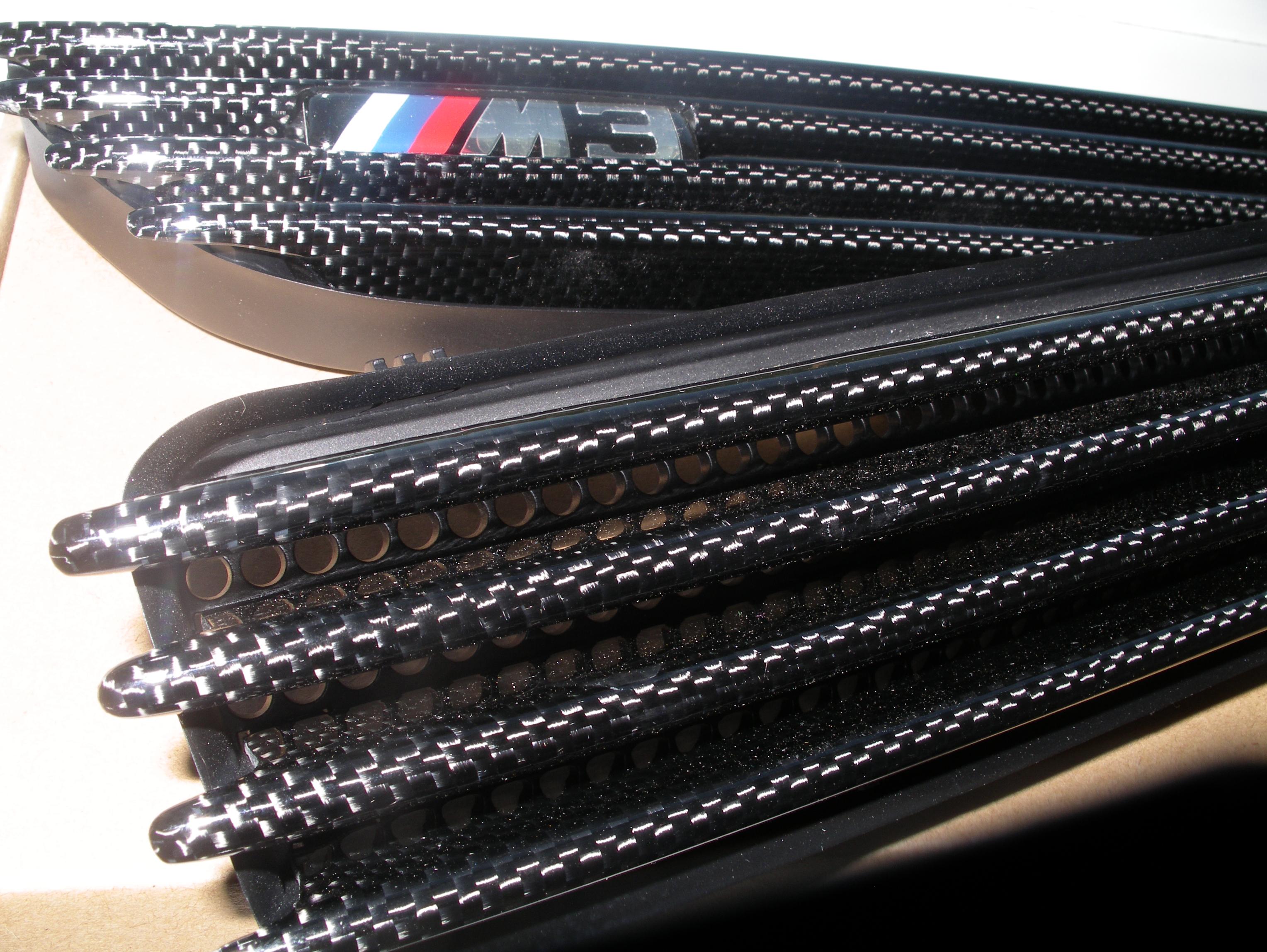 bmw-e46-m3-carbon-fibre-side-grilles-vents-1.jpg