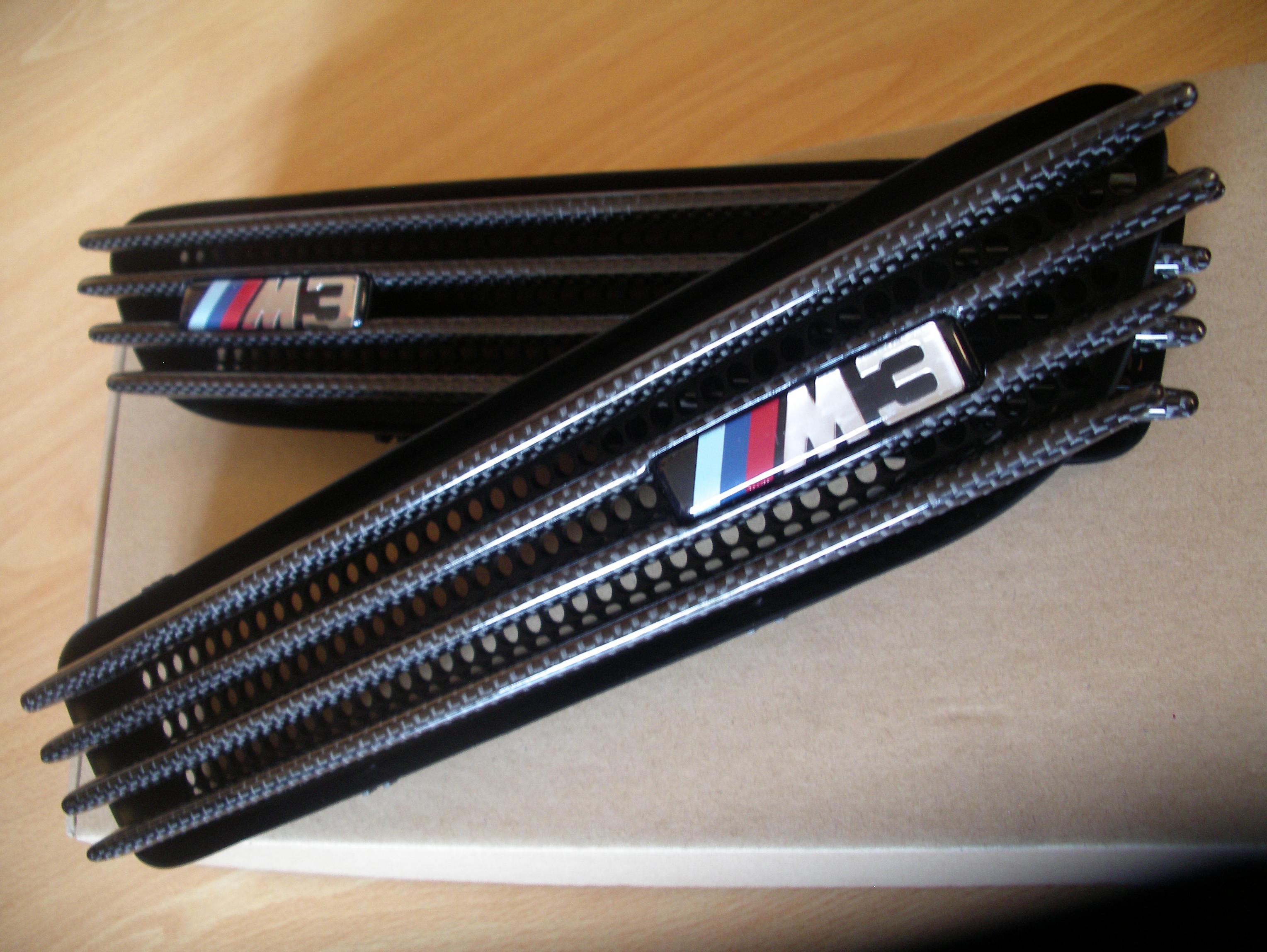 bmw-e46-m3-carbon-fibre-side-grilles-vents-2.jpg