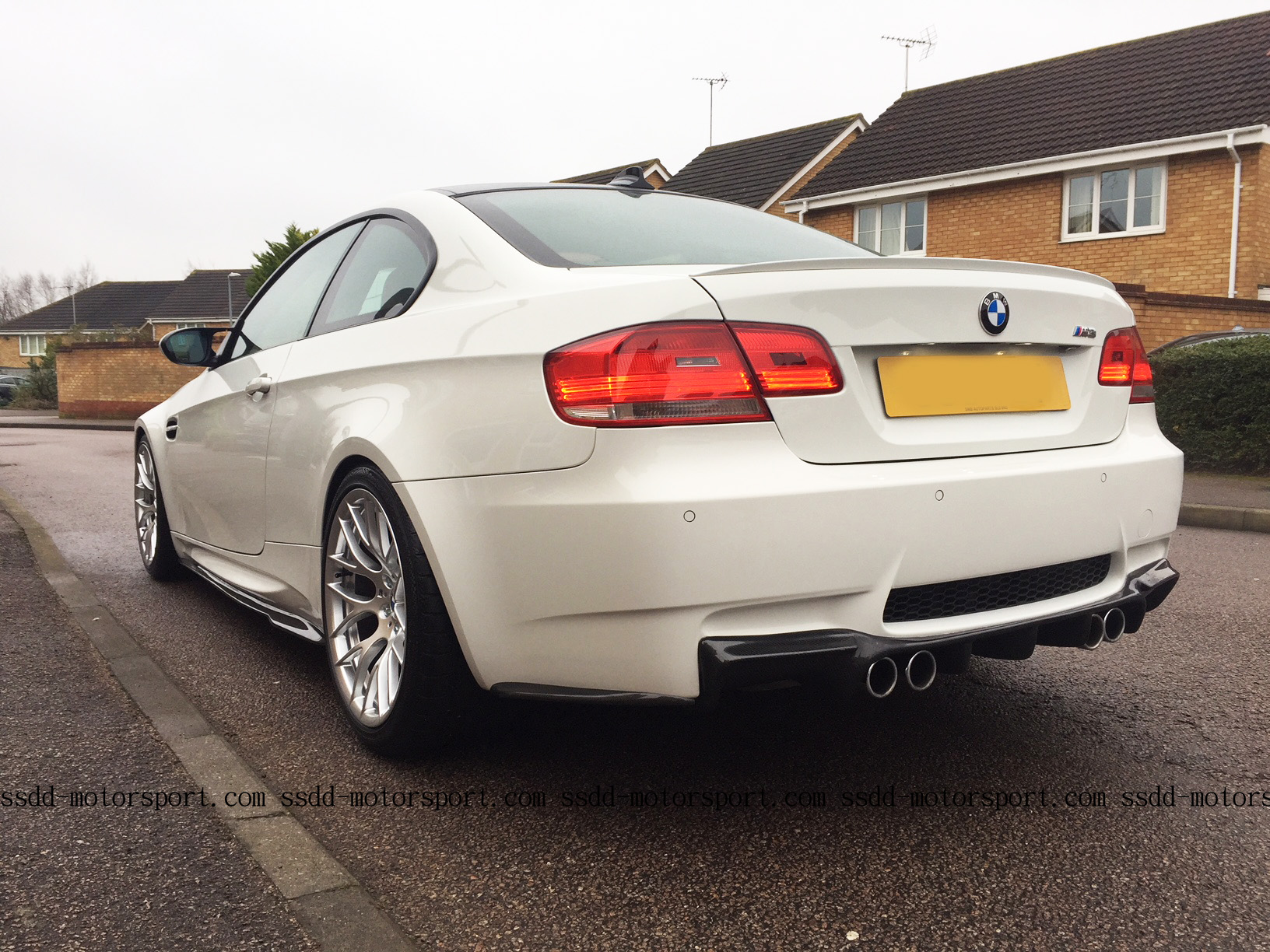 bmw-e92-e93-m3-rear-and-side-skirt-extensions.jpg