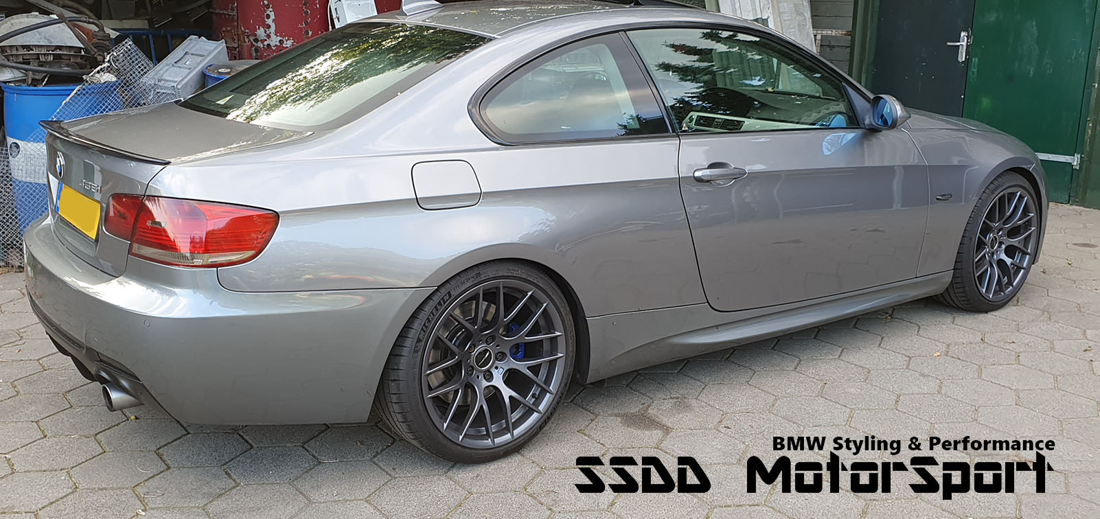 bmw-e92-m-performance-look-carbon-fibre-kick-spoiler-4.jpg
