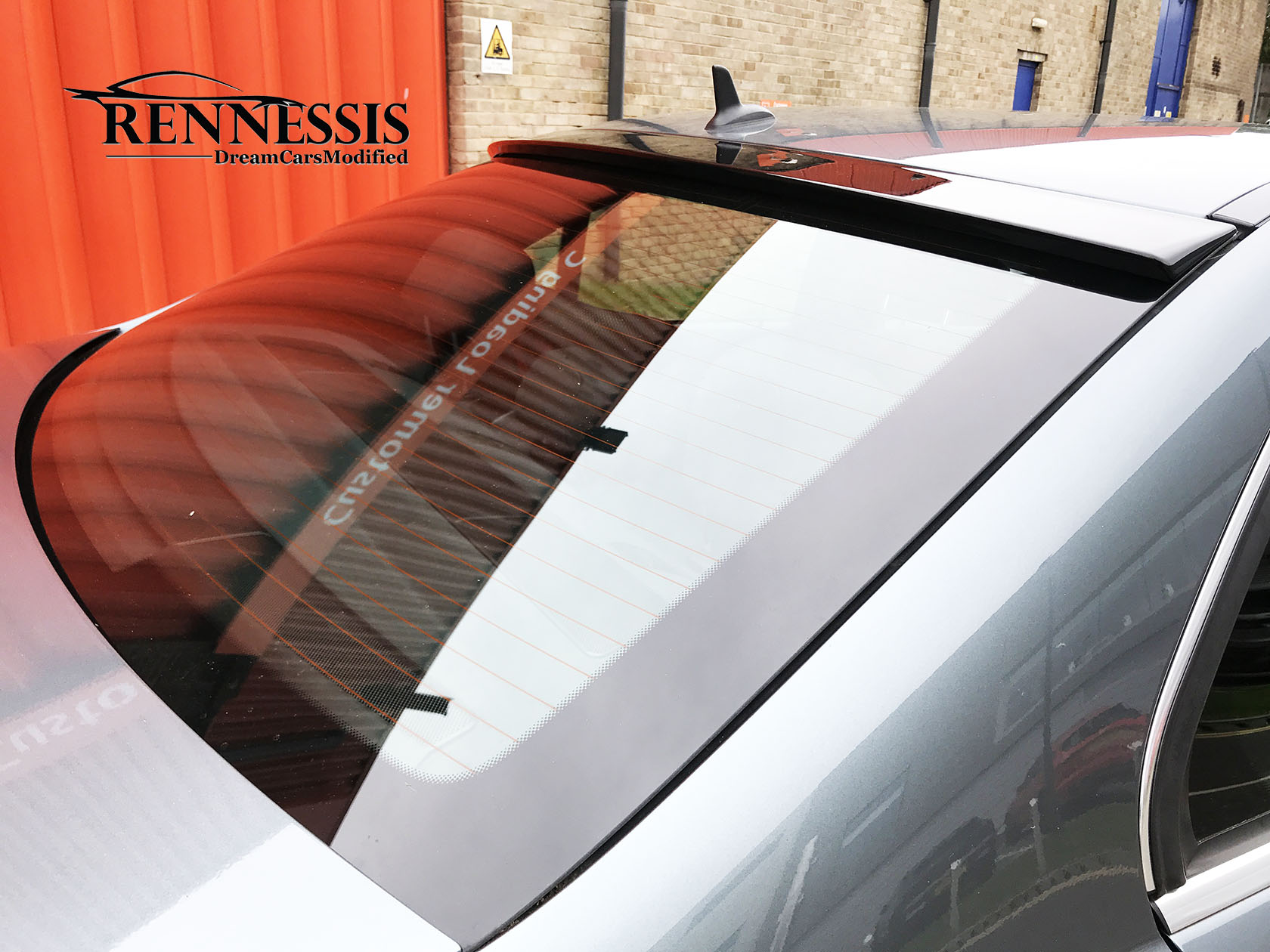 mercedes-ben-w204-c-class-saloon-amg-style-roof-window-lip-spoiler-installed.jpg